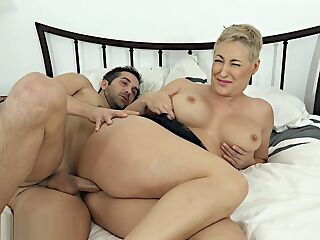 Hot MILF Ryan Keely Was Surprised While Sleeping - milfcube