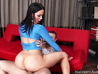 Curvy Amy Anderssen rides on Mr. Pete