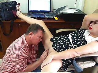 Spy Camera - Lady Boss Gives Pussy For Cunnilingus With Engineer Lady Boss. Boss And Employee