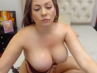 Vanesa is trying for the first time anal