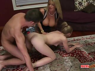 Learning to fuck her boyfriend with her stepmom
