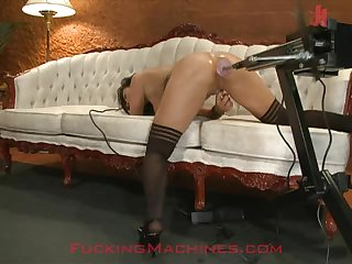 Anal Banging From a Machine For This Horny Babe