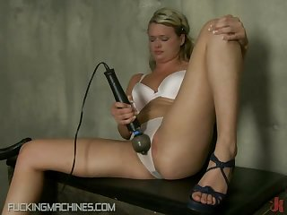 Orgasm Searching Babes Have Many With Fucking Machines
