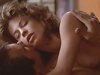 Sexy Linda Hamilton Naked in a Hot Scene