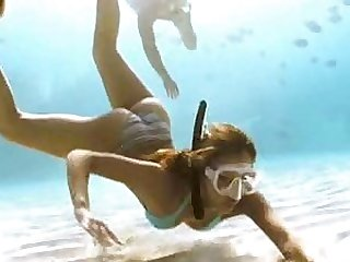 Super Hot Jessica Alba Scuba Diving in Bikini