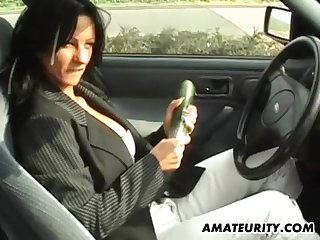It's time for the amazing cock sucking session in the car!