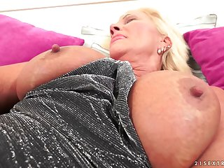 Plump blonde will very gladly allow her lover to penetrate her
