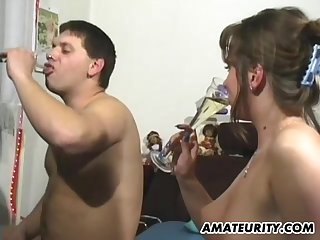 Couple crafts an amazing amateur hardcore scene in bed