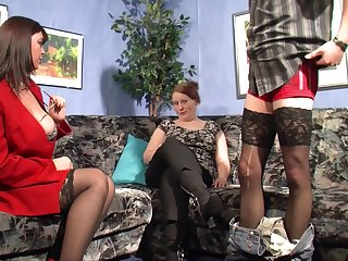 Mature amateur babes with curves fuck in a compilation