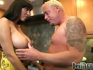 Beauty with huge tits Veronica gets stuffed in her holes